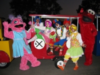 clown-group-train-ivon-1